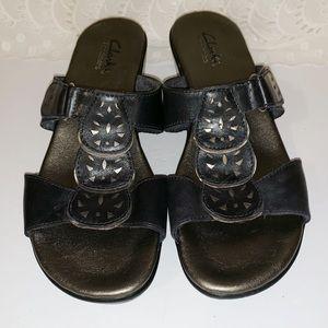 Clark's bendables black leather slides size 7.5